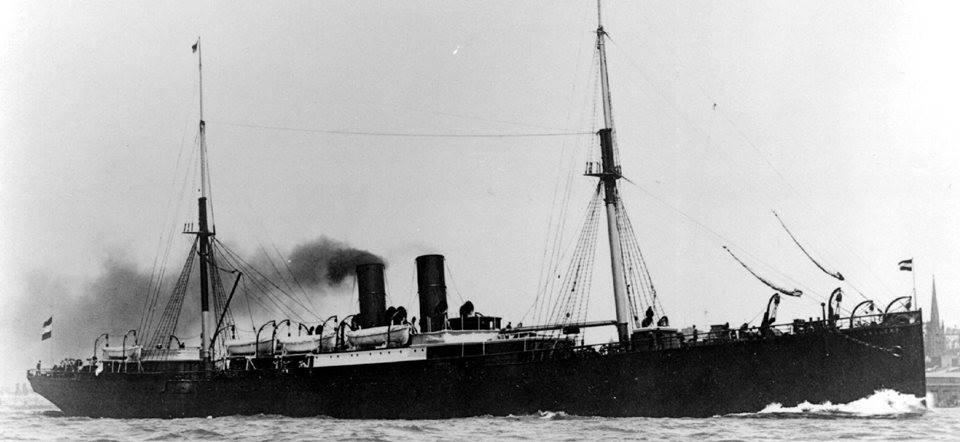 SS Gellert. Hamburg American Line.