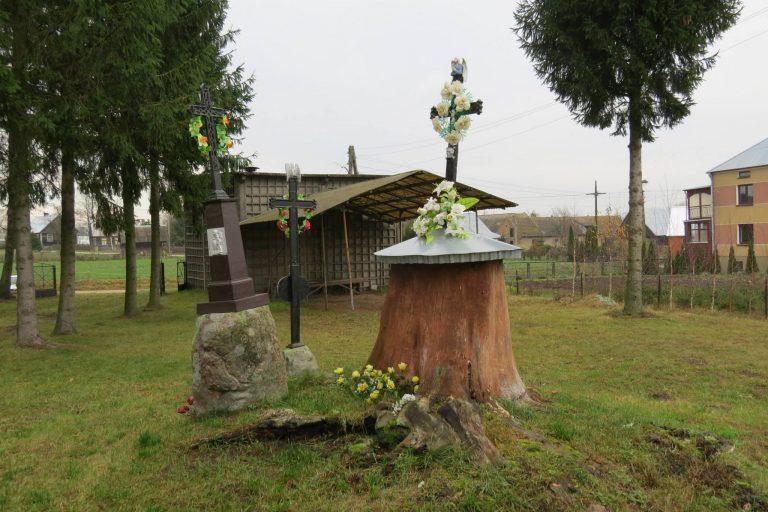 Karpowicze – cmentarz i kaplica