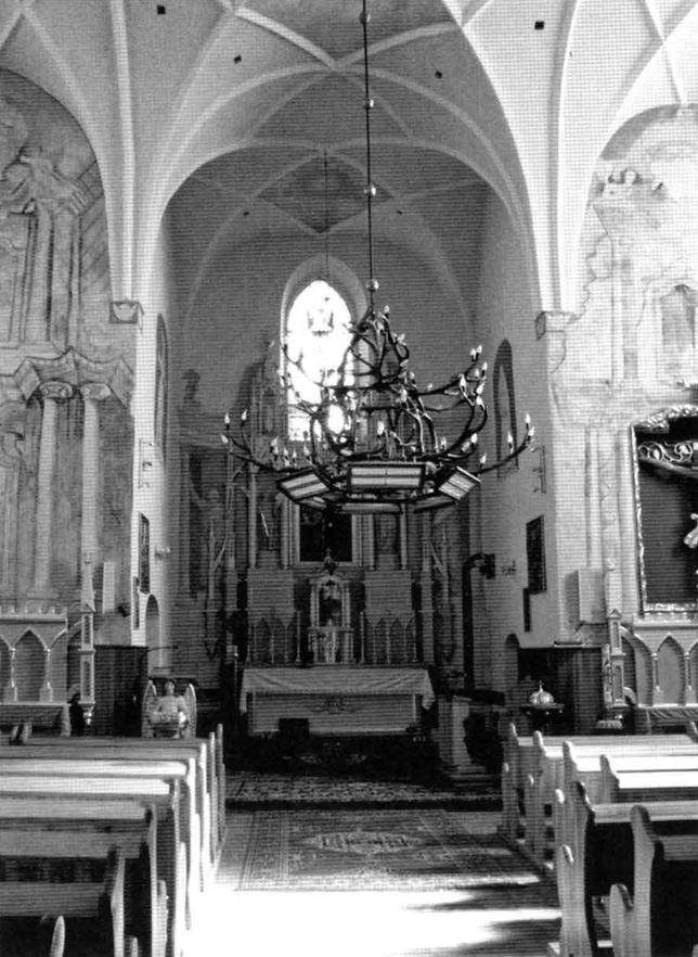 9.Wnętrze kościoła pozakonnego pw. Zwiastowania NMP w Krasnymborze (w zbiorach ROBiDZ Białystok).