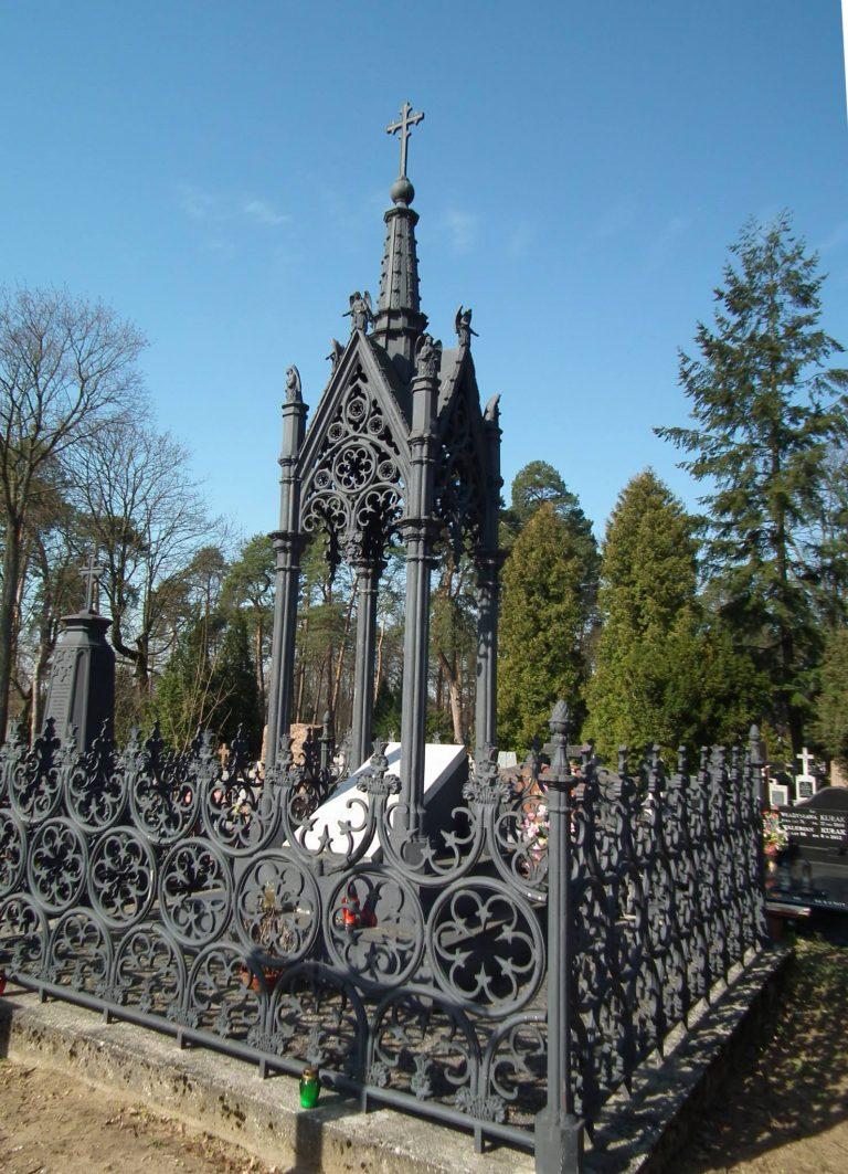 Grób Adolfa Gerschowa na cmentarzu w Augustowie