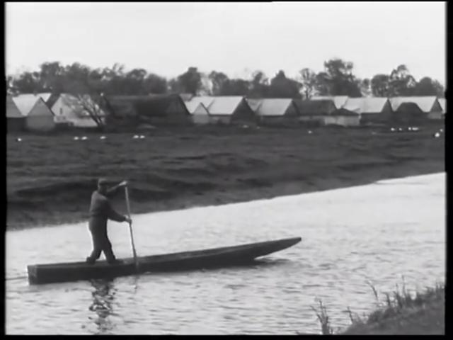 """Kadr z filmu """"Byli rybacy nad Biebrzą w Jagłowie"""" Państwowe Muzeum Etnograficzne w Warszawie"""